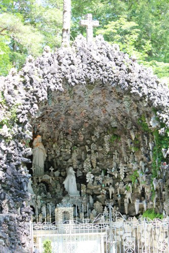 Alcove with plastic statues, crosses -- Ave Maria Grotto