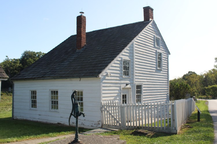 House with water pump, Gettysburg PA