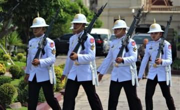 Bangkok military moving in step