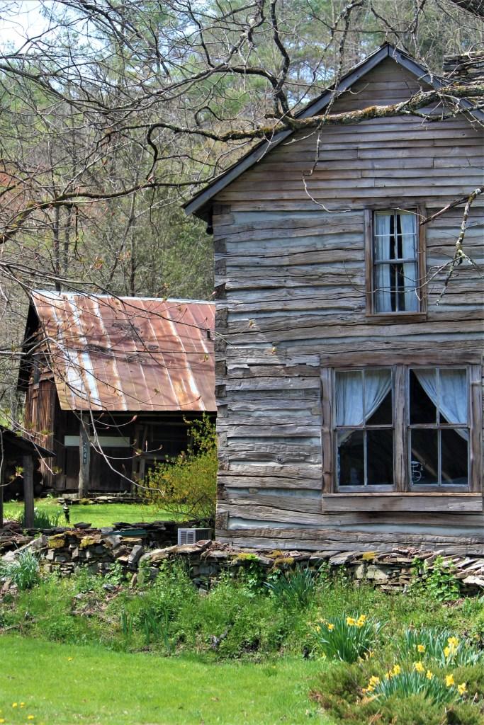Cabin side view, Mast Farm Inn, Valle Crucis, NC