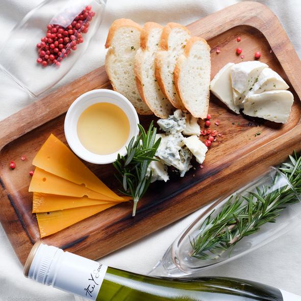 おしゃれすぎる!チーズ盛り合わせの新しい盛り付け