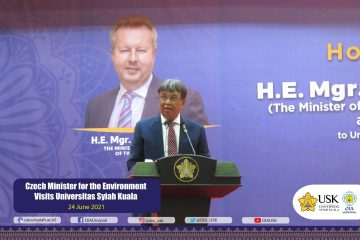 Czech-Minister-for-the-Environment-Visits-USK