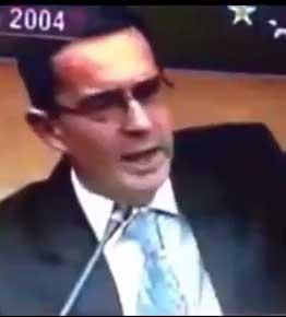 Uribe no deja de luchar contra el terrorismo