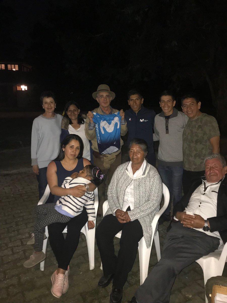 Emotivo encuentro de Nairo Quintana con el presidente Uribe