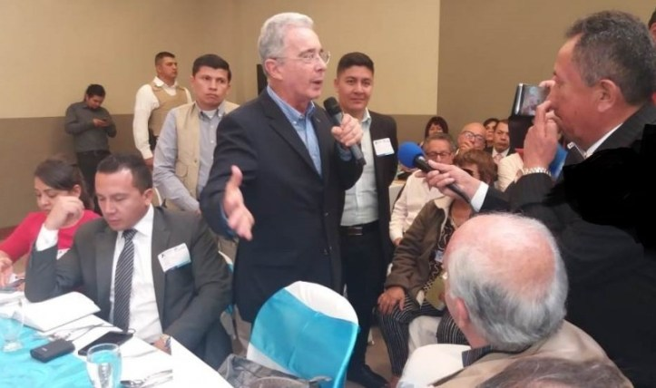 Senador-Uribe-_r0.jpg