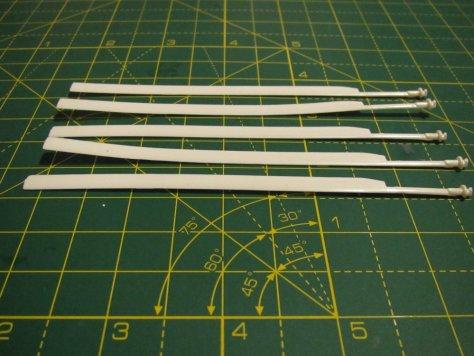 Sea King rotors, variously bent