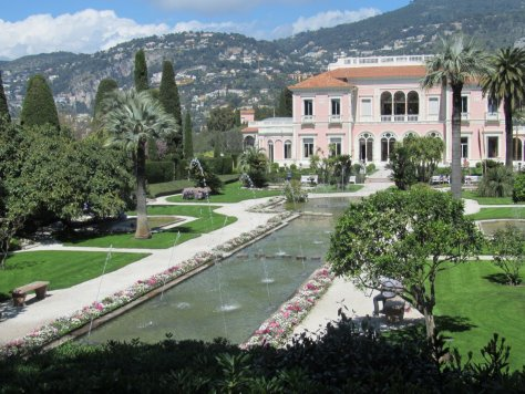 Dancing fountains of the Villa Ephrussi
