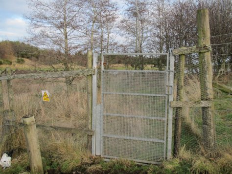 Locked gate between Ledyatt Loch and Balshando Hill