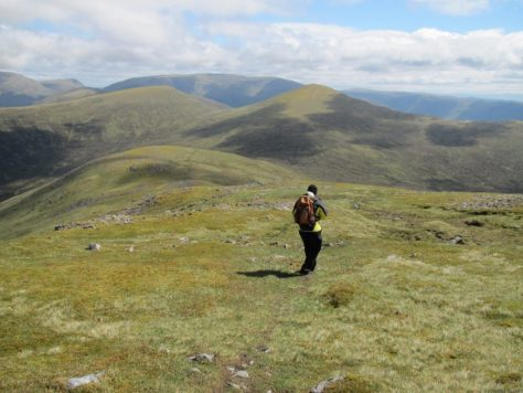 Descending Carn Dearg towards Sgor Gaibhre