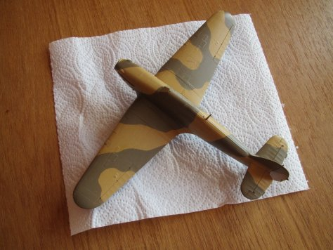 Hasegawa 1/48 Hawker Hurricane IIB camouflage and gloss coat