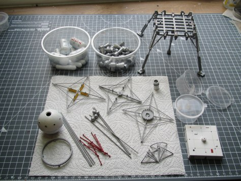 Pegasus 1/350 Von Braun Moon Lander prepared parts