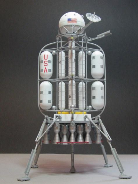 Pegasus 1/350 Von Braun Moon Lander model 4