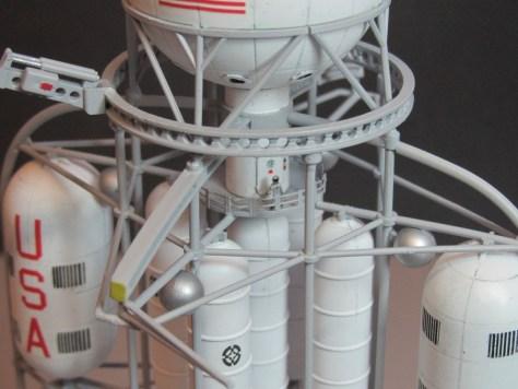 Pegasus 1/350 Von Braun Moon Lander model 5