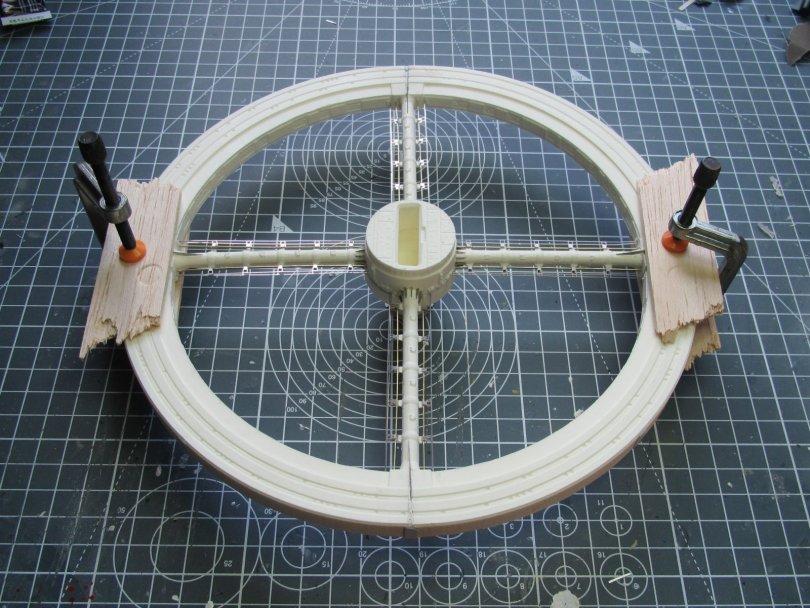 Fantastic Plastic Space Station V redoing rim