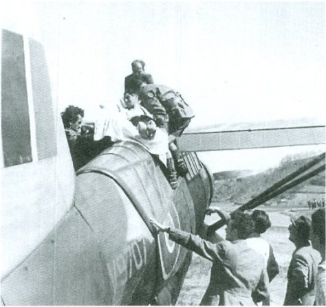 Loading casualties into a SD Lysander, Italy 1945