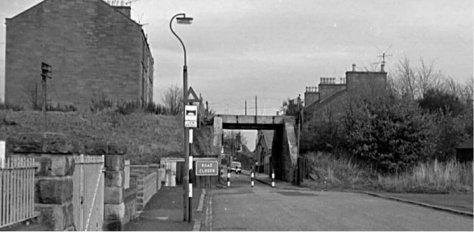 Dundee-Newtyle Railway bridge over School Road, Dundee
