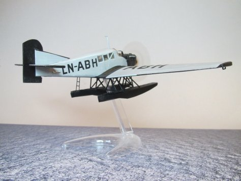 Revell 1/72 Junkers F13 LN-ABH completed 4