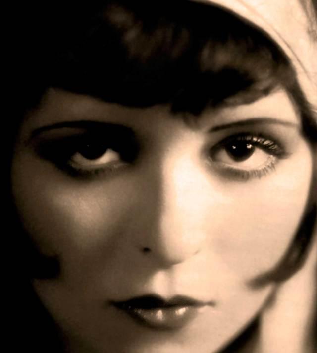 "Clara Bow - ""We had faces then""."