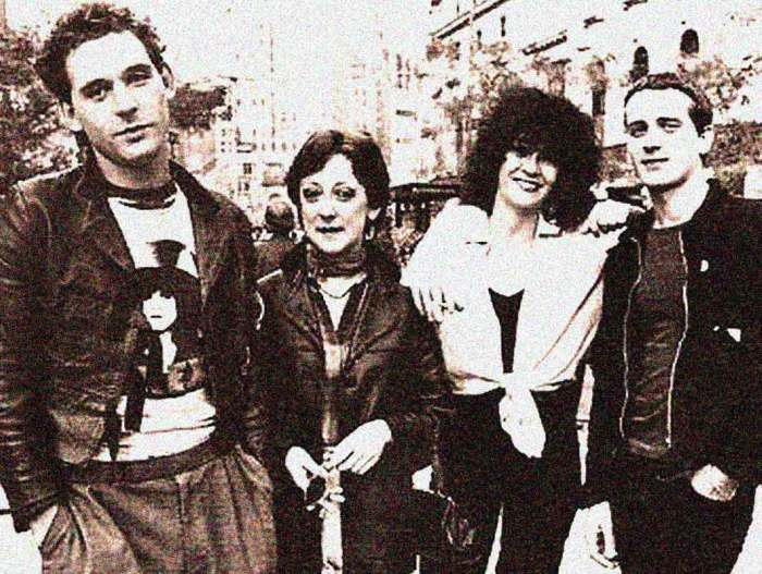 Au Pairs - were not embraced by the mainstream, but influenced a lot of it in the 80s.