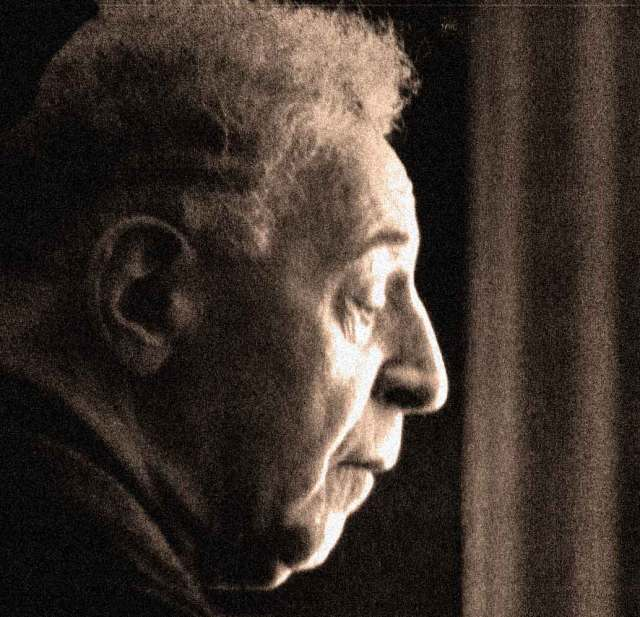 Arthur Rubinstein - trying out the acoustics of L.A.'s new concert hall, 50 years ago.