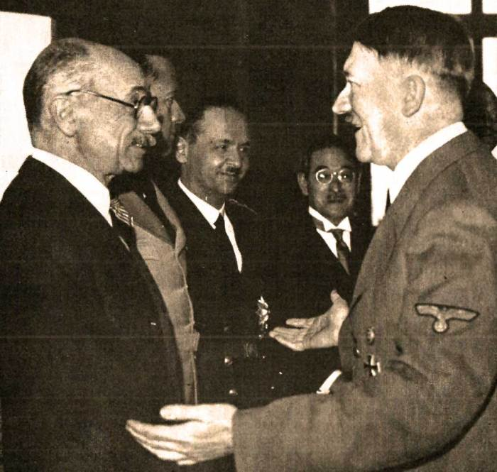 Count Taleki (L) with Adolf Hitler. Too much pressure or a not-so-gentle push?
