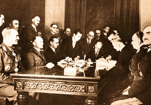Alignment pact signing - October 14, 1939