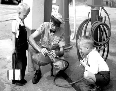 A Helping Hand – Humble Gas Station, 1920s