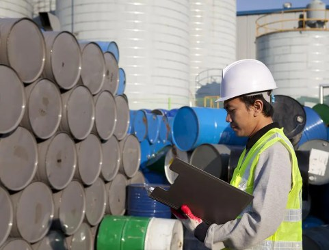 Strong Indicators Give Boost to Oil Price