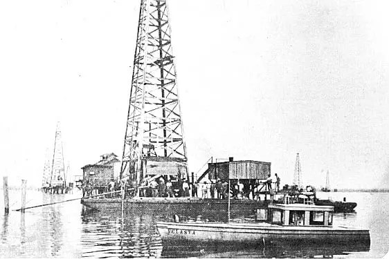 Oil Rig On Barge, Caddo Lake, Louisiana, 1911