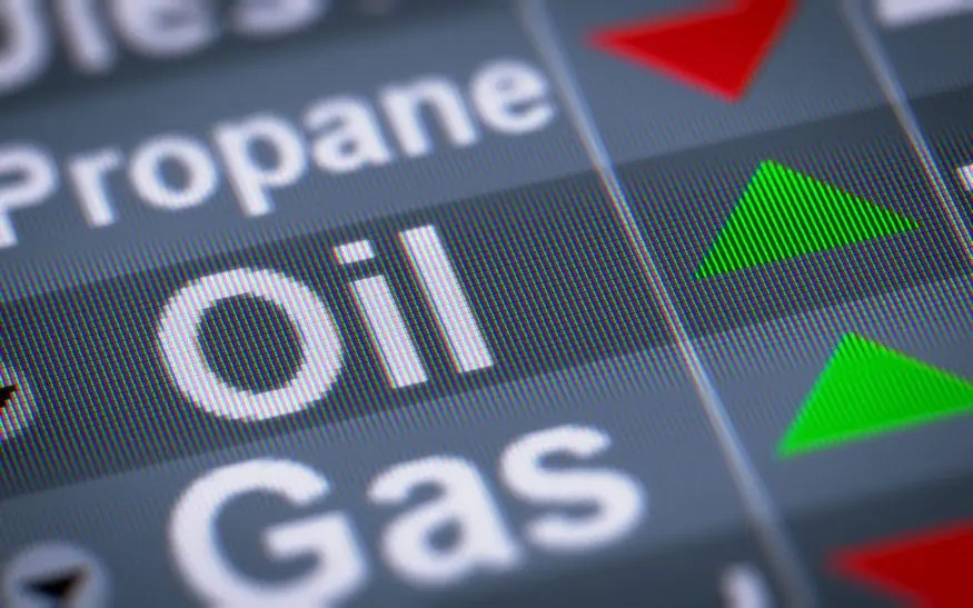 Crude Oil Surpasses $70 Per Barrel
