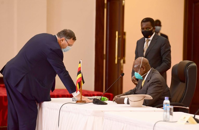Uganda, Tanzania, Total Sign Final Agreements for the Lake Albert Resources Development Project