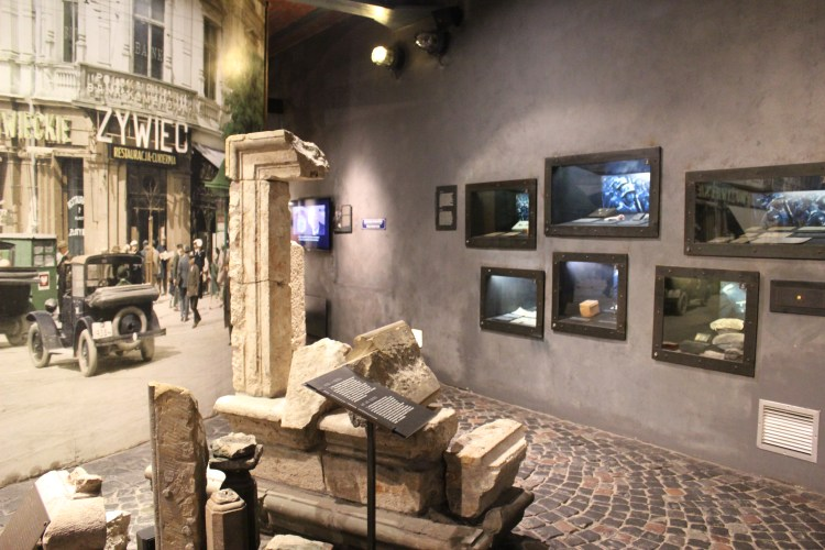 Inside the Uprising Museum - war on the walls