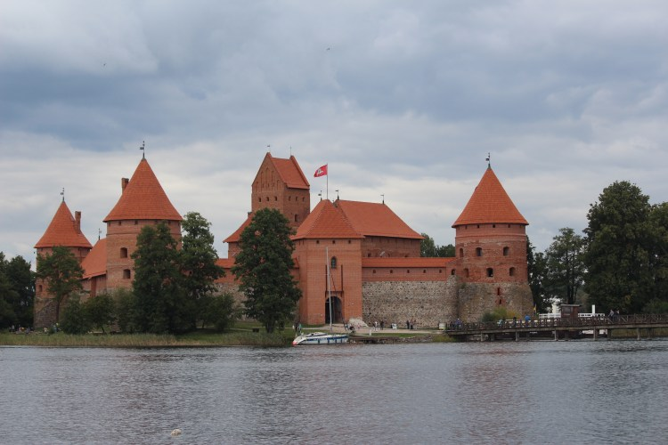 We all dream of pretty castles we'll visit on that Eurotrip