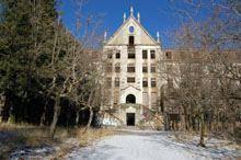 Lançado concurso para transformar         ex-sanatório dos Ferroviários em pousada