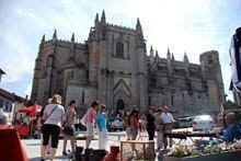 Feira de Antiguidades juntou 40 expositores         no centro da Guarda