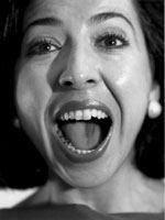A voz sem fronteiras de Fátima Miranda