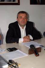 Fraca adesão na reeleição de Manuel         Rodrigues