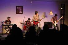 Os Harlot Queen foram outra banda         selecionada para a primeira sessão do SoniCC