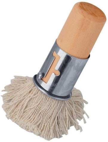 Photo Description: a stubby little brush with a cloth looking brush and a whood handle. This brush is intended for takoyaki and yakiniku grills to brush oil onto.