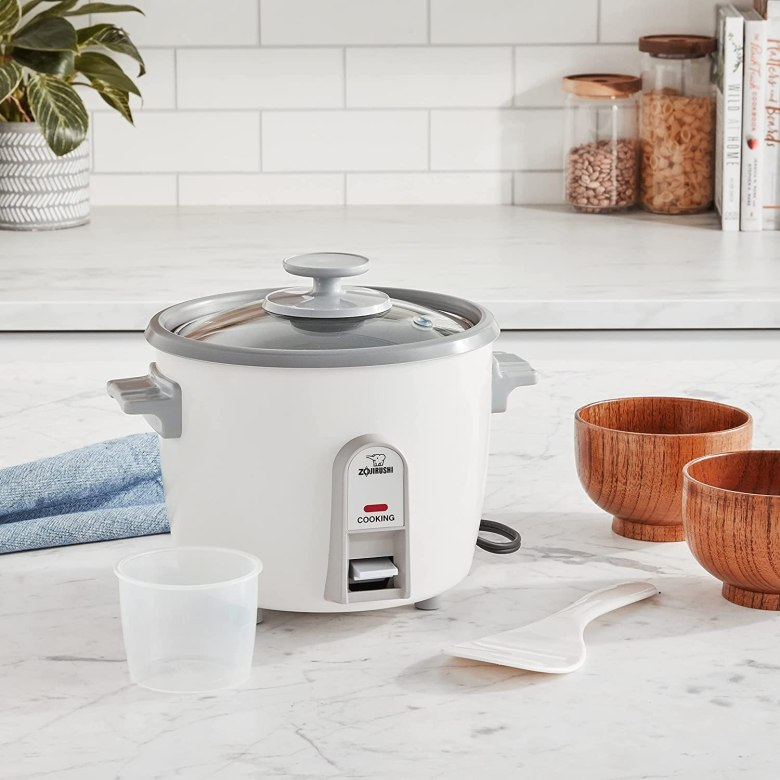 Photo Description: the iconic look of a basic rice cooker (Zojirushi).