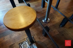 very convenient stools to maximize space.