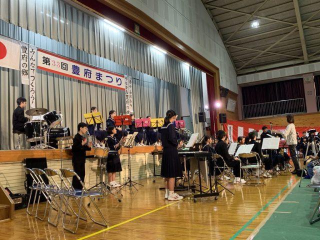 南大分中学校の吹奏楽部と合唱部