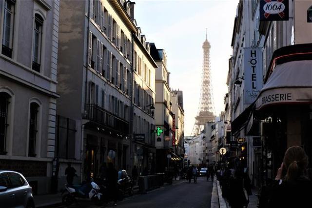 Eiffel Kulesi Paris (1)