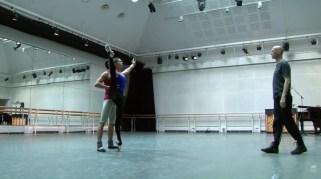 Beatriz Stix-Brunell e Ryoichi Hirano em Raven Girl