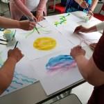 Rento kuva -verkkokurssi kuvituskuva ihmisiä maalaamassa