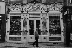 Tradicional loja de chá na região do Mercado do Bolhão, Porto | Crédito: Verônica Batista