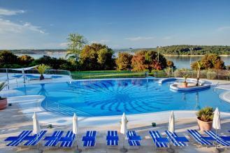 valamar-tamaris-resort-activity-pool