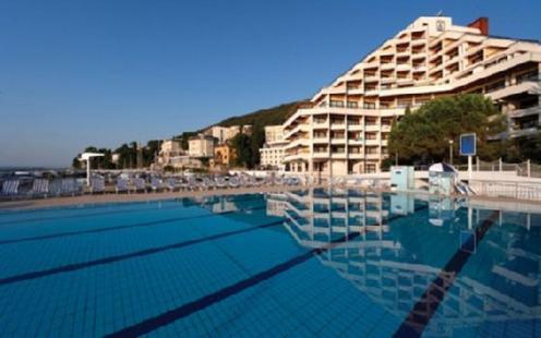 2631759-Remisens-Hotel-Admiral-Hotel-Exterior-1