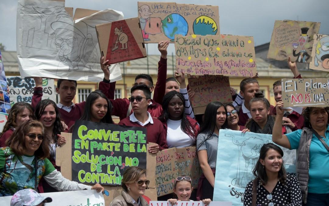 De Hong Kong a Bogotá: estudiantes toman las calles para pedir acción por cambio climático