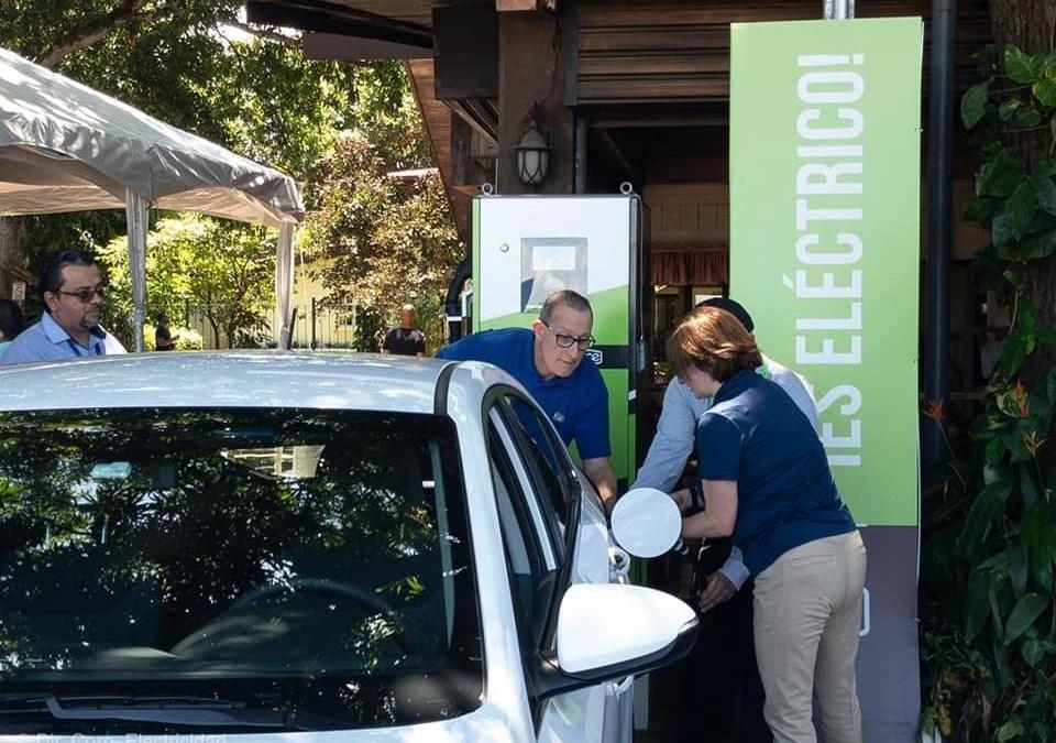 Licitación fallida en el ICE atrasó red de carga rápida para vehículos eléctricos